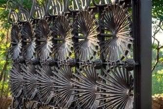 Casa Museo Gaudí - Verja jardín